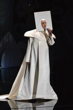 Lada Gaga VMAs