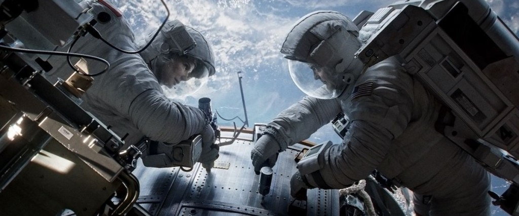 Gravity movie Sandra Bullock and George Clooney in space